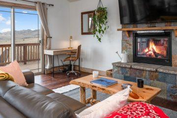 Airbnb VRBO Photographer Bozeman Montana - Saul Creative Real Estate Media